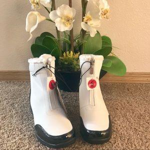 Khombu waterproof women's white / black boots
